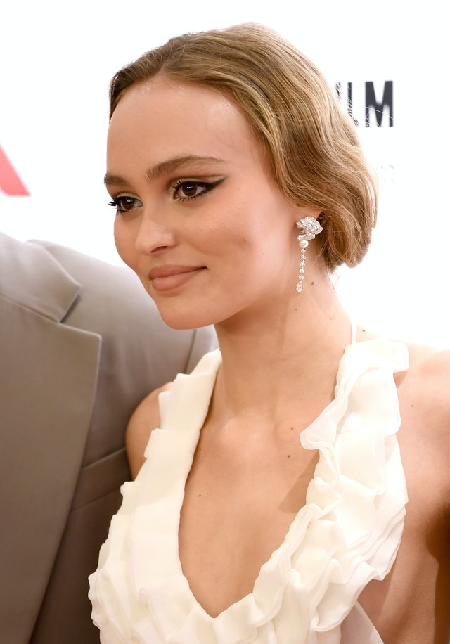 Lily-Rose Depp wears this fall 2019 eyeshadow trend