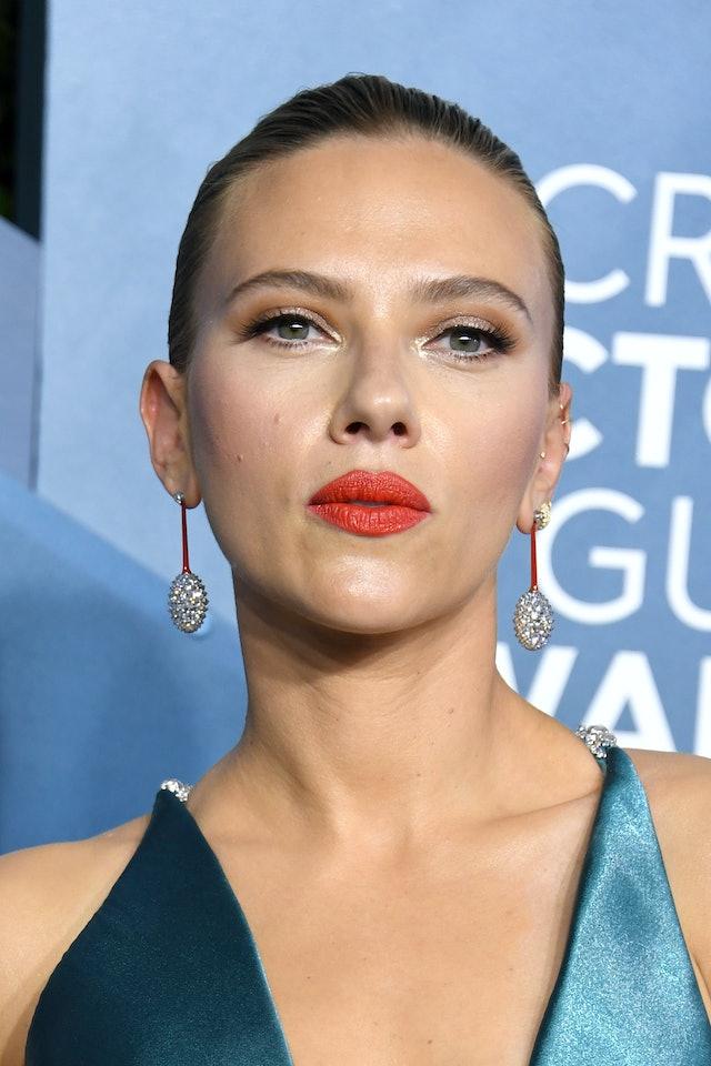 Scarlett Johansson had one of the top 2020 SAG Awards beauty looks