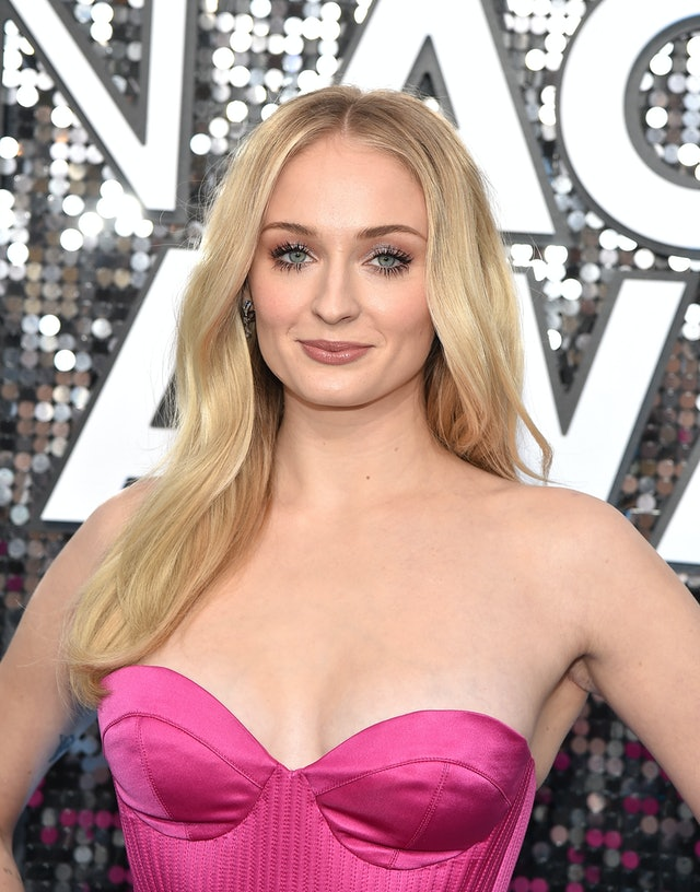 Sophie Turner was one of the top 2020 SAG Awards beauty looks of the night