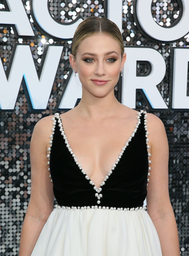 Lili Reinhart was one of the top 2020 SAG Awards beauty looks of the night