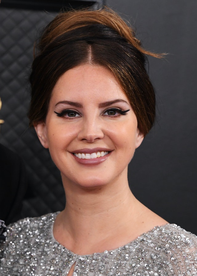 Lana Del Rey  is one of many who are rocking '60s makeup trends lately