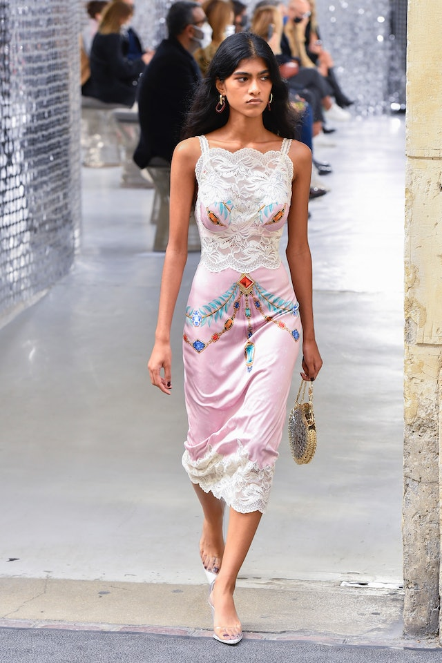 The Best Fashion Month Trends For Spring 2021 According To ...