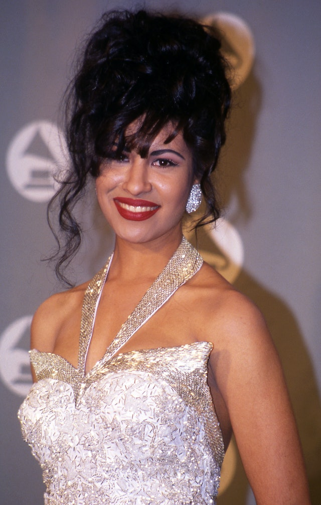 Selena attends the 36th Annual Grammy Awards in 1994.