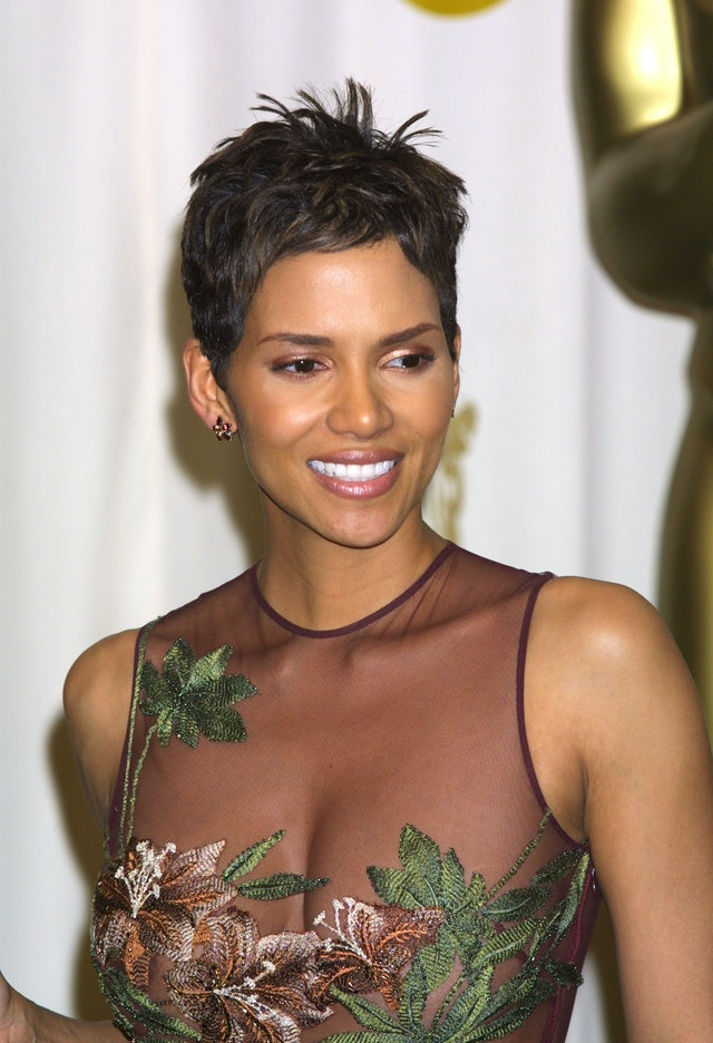 The best Oscars beauty looks, including Halle Berry's pixie cut.