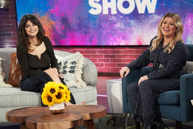 """Selena Gomez's Hairstyle On 'The Kelly Clarkson Show' Is styled after the """"Rachel"""" haircut and Goldie Hawn"""