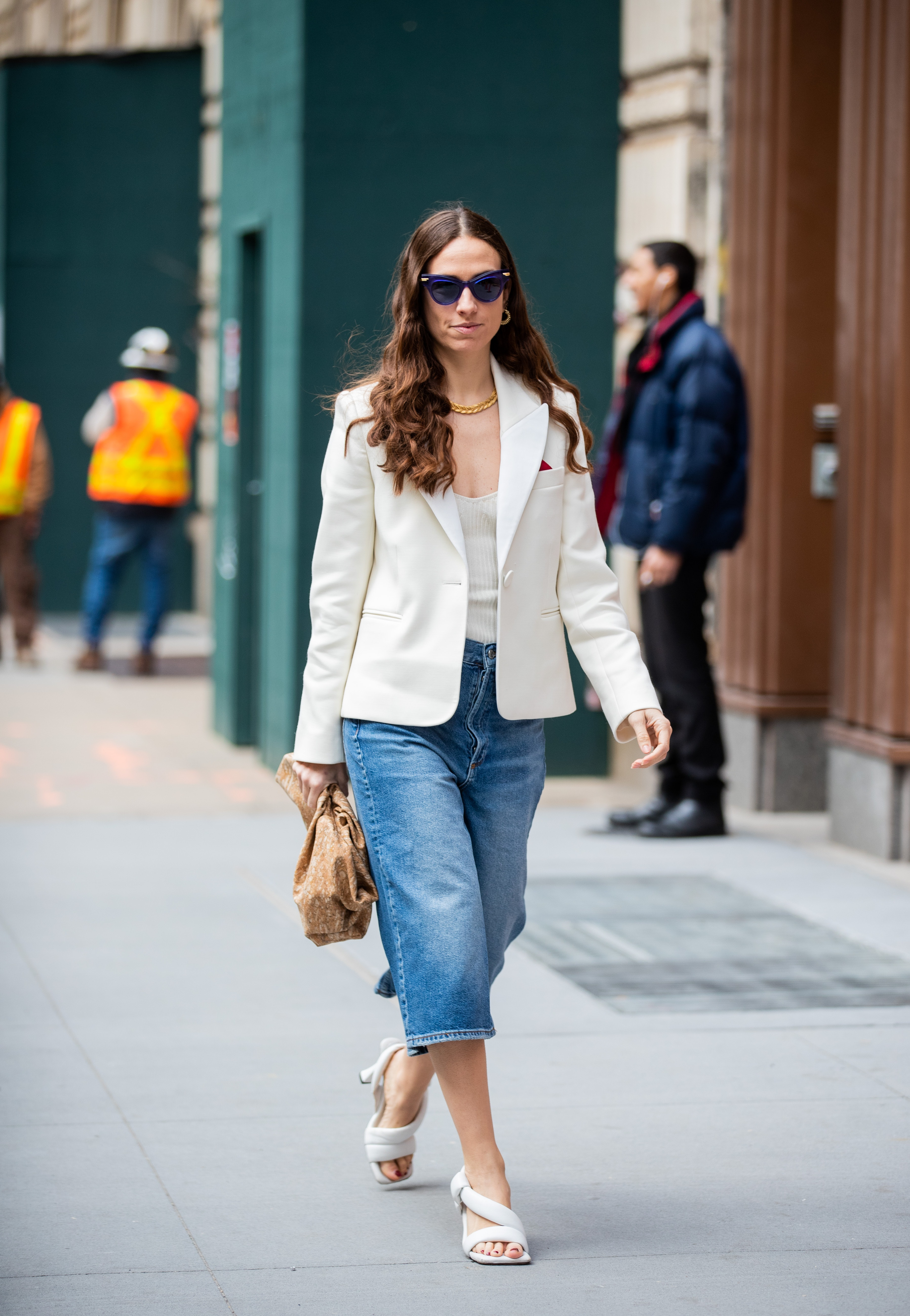 How To Wear Sandals With Jeans In 19