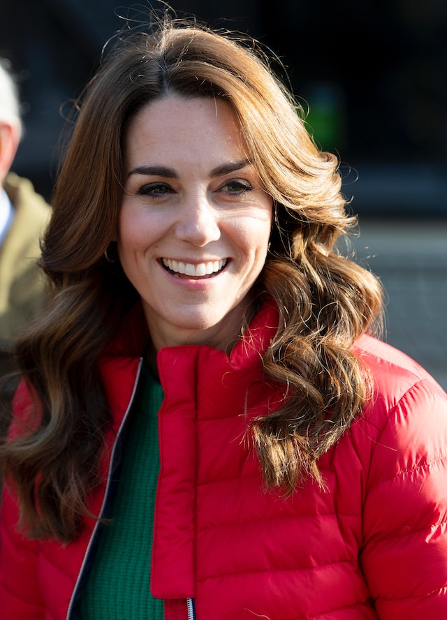 One of Kate Middleton's best haircuts is when it was chest length and side-parted