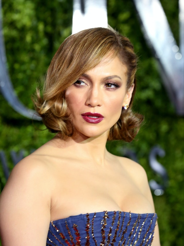 J.Lo's sideswept, curly bob was one of her best haircuts of all time