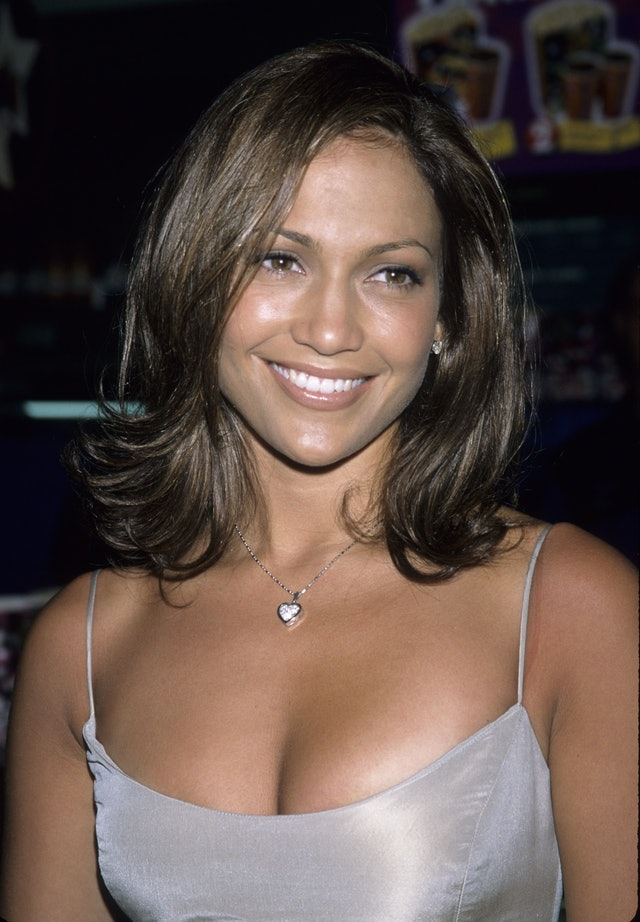 """J.Lo debuted her own version of """"The Rachel"""" haircut in the '90s, one of her best cuts ever"""