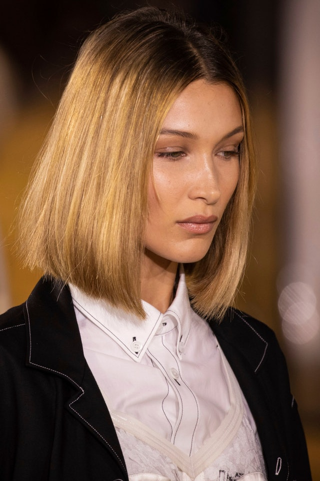 Bella Hadid debuts fall 2019's bob haircut trend on the Burberry runway at London Fashion Week