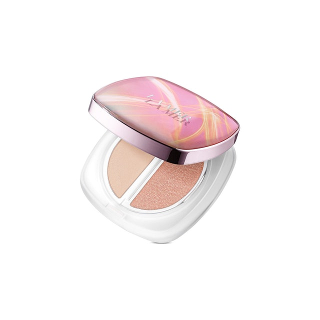 The new Glow Highlighter from La Mer holiday 2019 collection