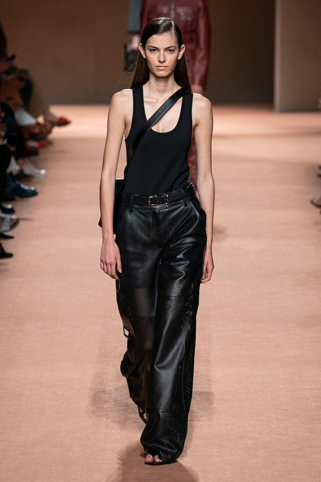 Minimalist trend for Spring 2020 at Hermes