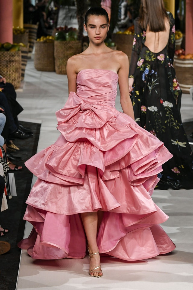 Voluminous gown runway trend spring 2020 at Oscar de la Renta
