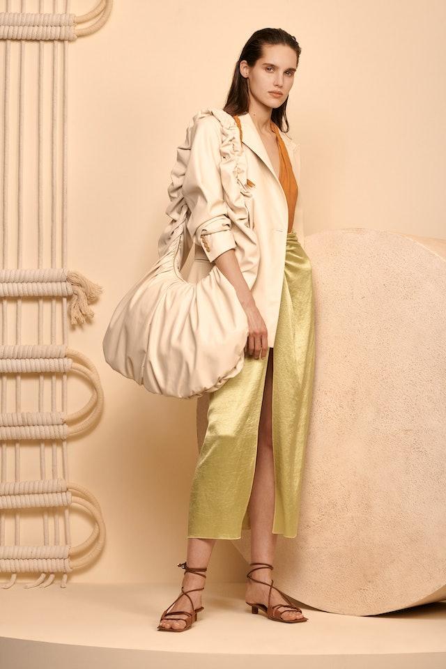 oversized bag trend for spring 2020