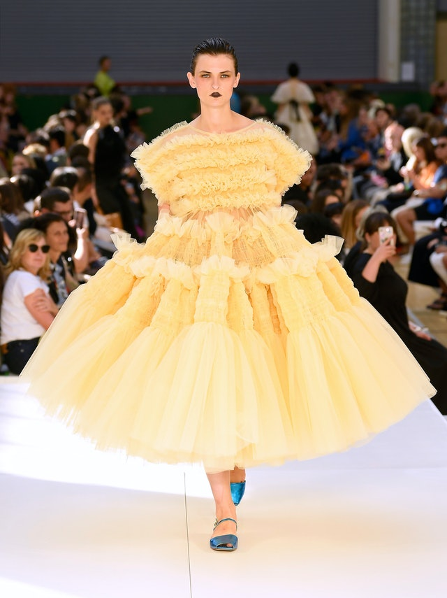 Voluminous gown runway trend spring 2020 at Molly Goddard