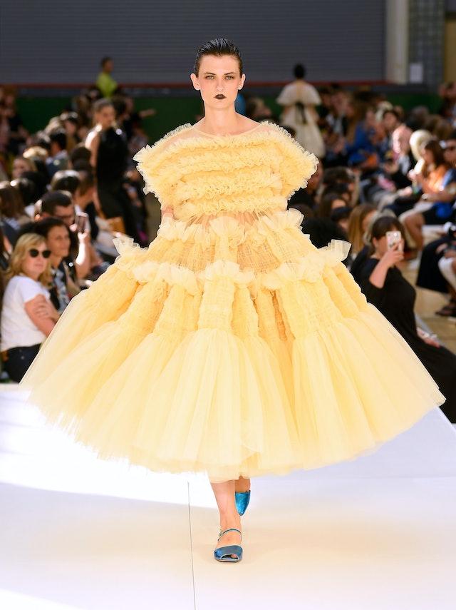 Voluminous gown runway trend spring 2020 at Molly Goddard