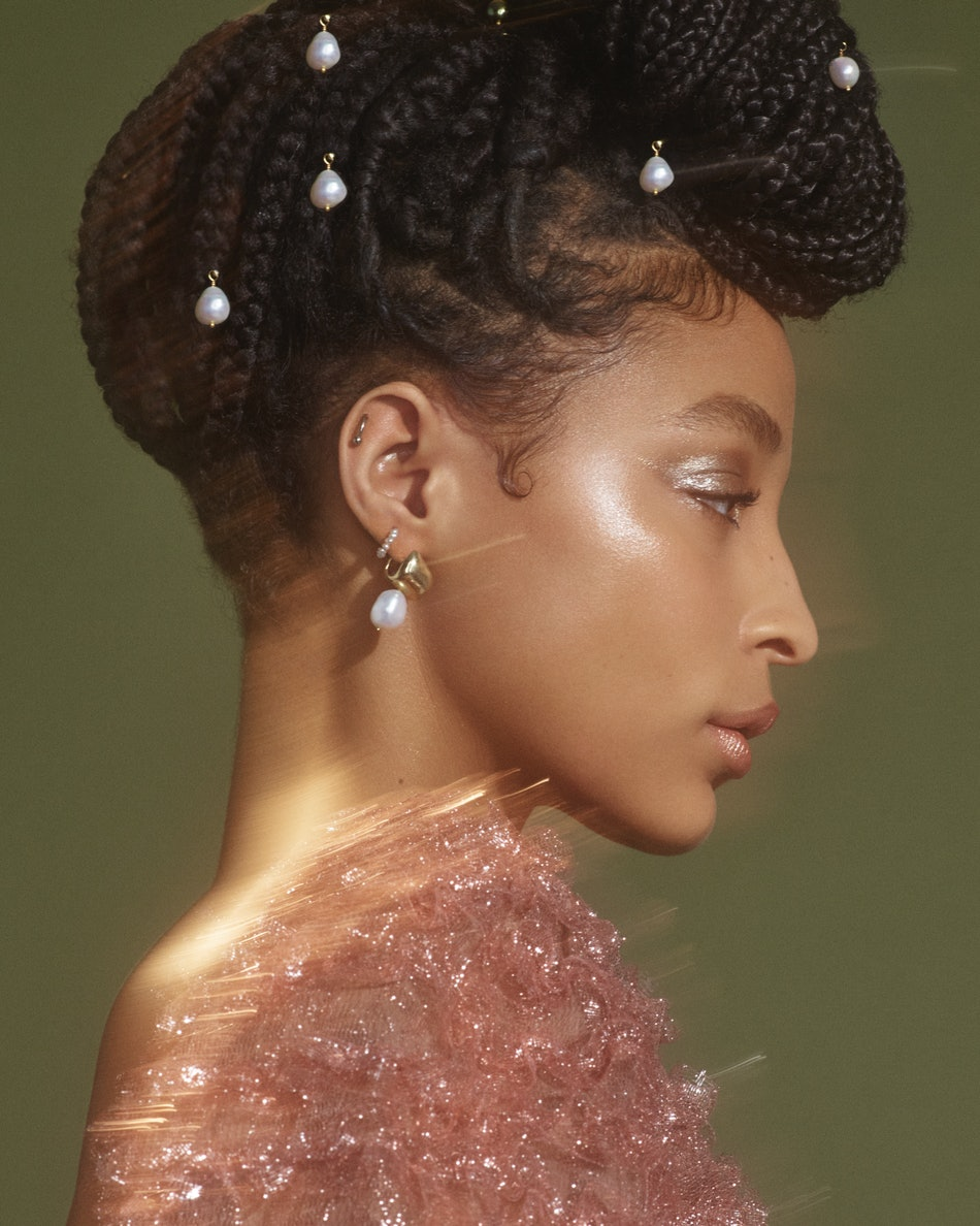 Spring 2019 S Pearl Makeup Trend Has