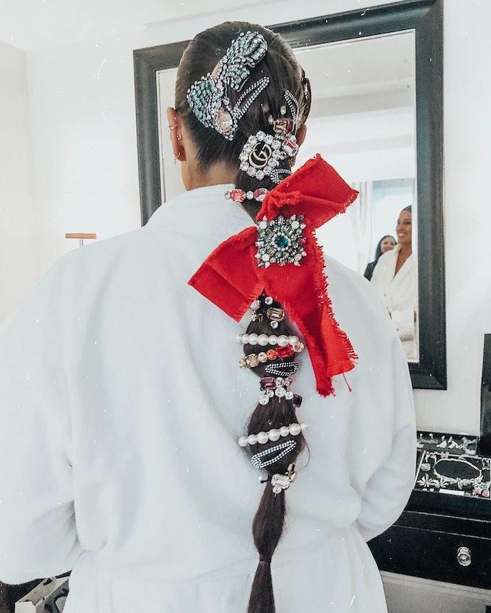 Braid with hairpins