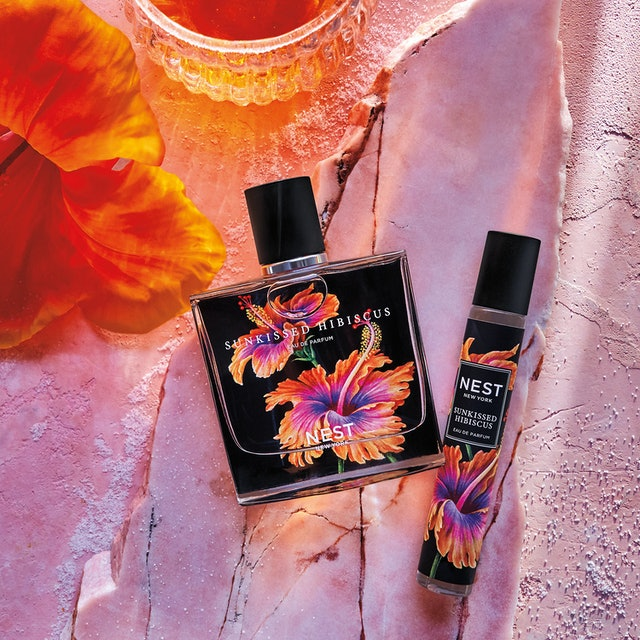 Both sizes of the new NEST Sunkissed Hibiscus fragrance.