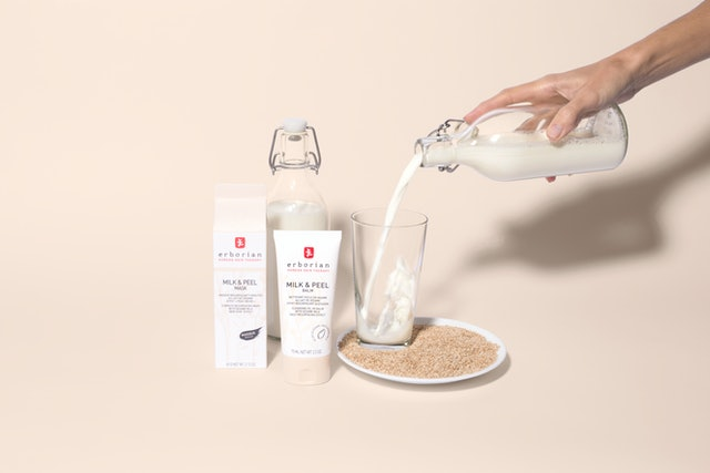 The new Erborian Milk & Peel collection's face mask and balm.
