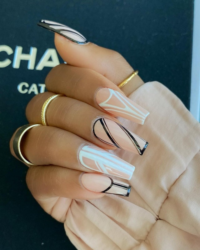 10 Acrylic Nail Designs For Every Type Of Aesthetic