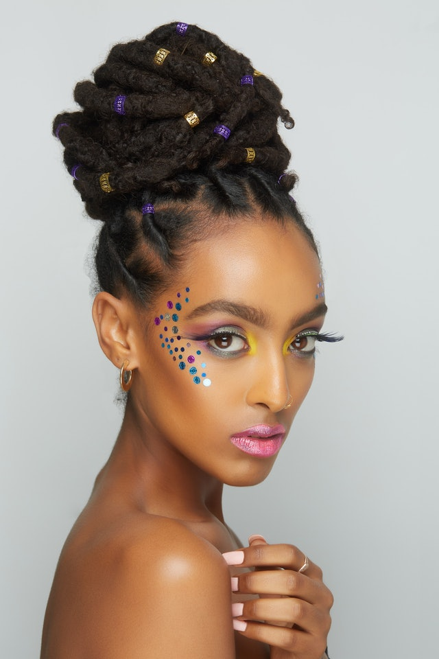 A makeup look using UOMA Beauty's Black Magic Carnival Collection.