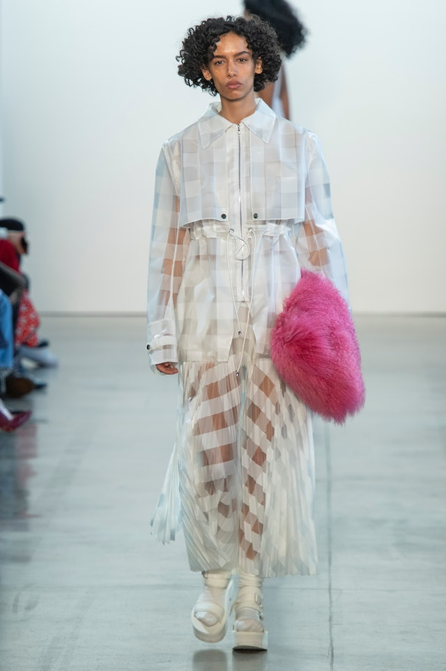 Claudia Li fall 2020 fluffy pink handbag.