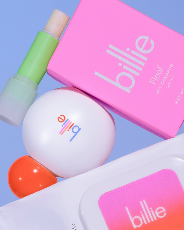 New Billie Beauty Collection Review: Trying out Wonder Wipes, Super Salve Lip Balm, and Floof Dry Shampoo.