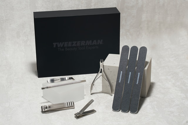 The new kit comes with nail clippers, nail files, cuticle Pushies, and a few other tools.