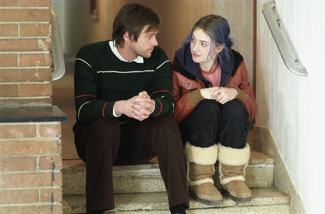 Eternal Sunshine of the Spotless Mind is a Valentine's Day movie worth watching
