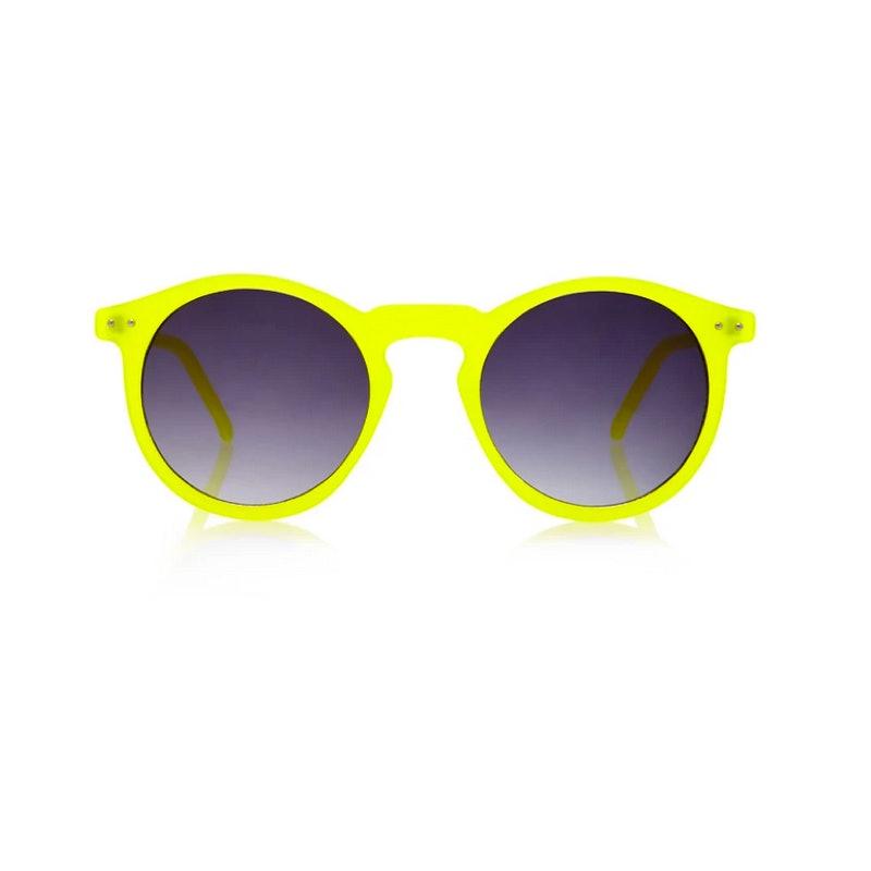 8c28b71bd2d 10 Beach Sunglasses Under  25