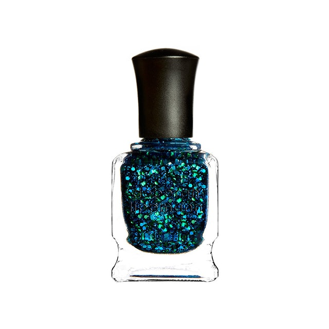 The Nail Polish Trend That Will Be Everywhere This Holiday Season