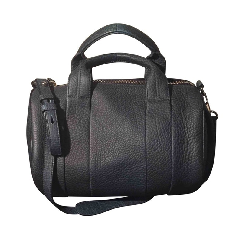 94b4d3aec9ef These Are The Most Popular Handbags Of All Time