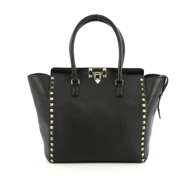 679934cfabd2 These Are The Most Popular Handbags Of All Time
