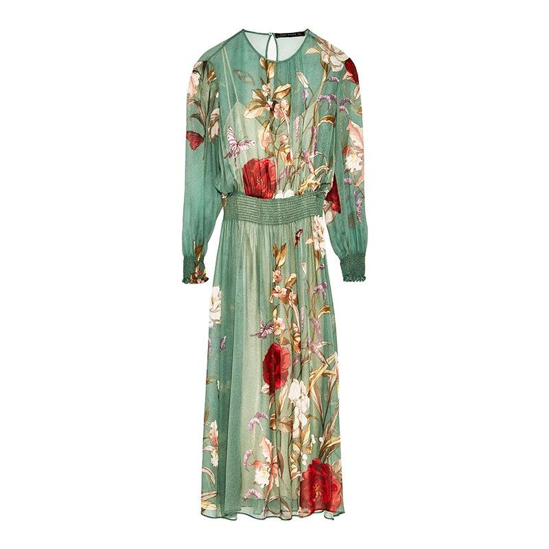 9adff308d8d7 Dakota Johnson's Summer Dress Is Flattering On Every Body Type