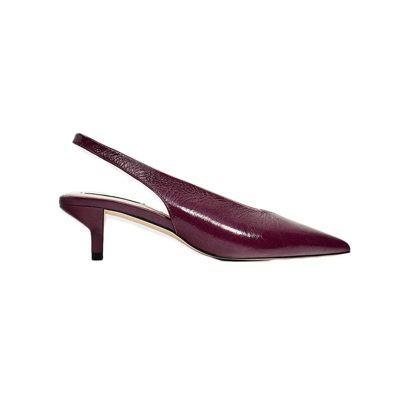1bc1083debb It Girls Are Obsessed With This Comfortable Shoe Trend