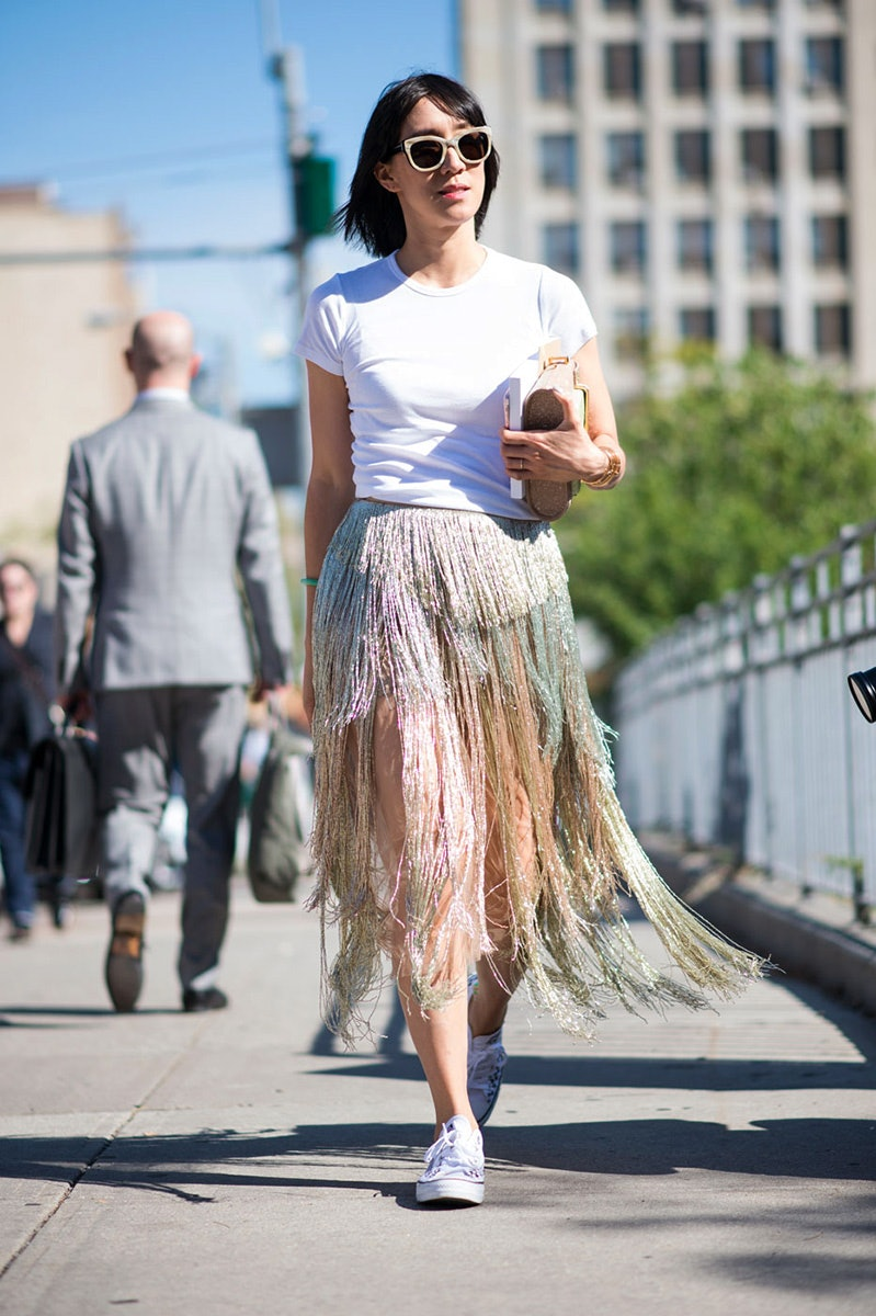 15 New Ways To Wear Your White Tee