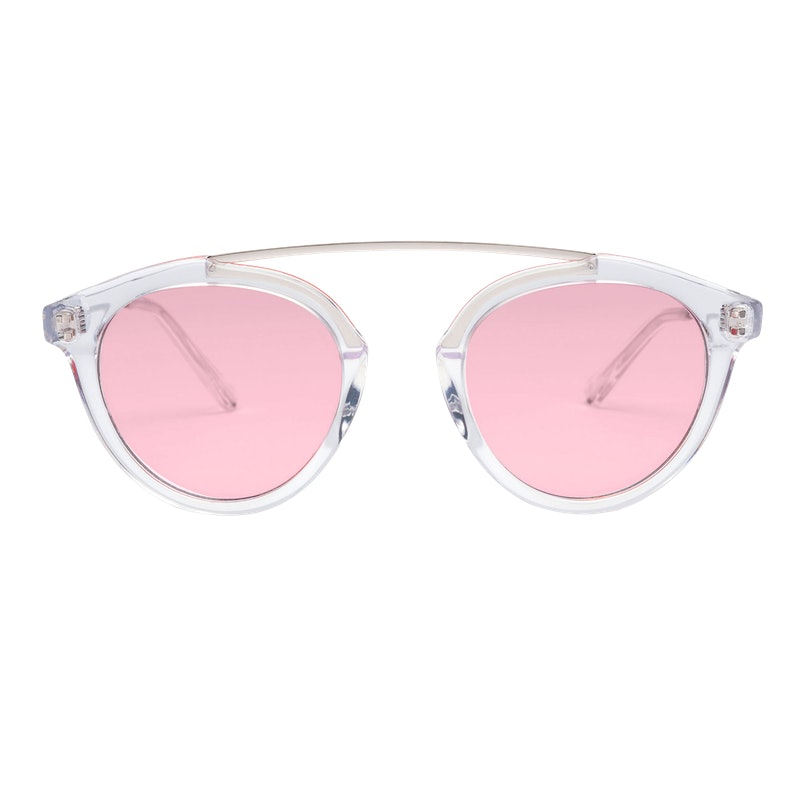 aee14d3454 Every It Girl Is Wearing This Sunglasses Trend