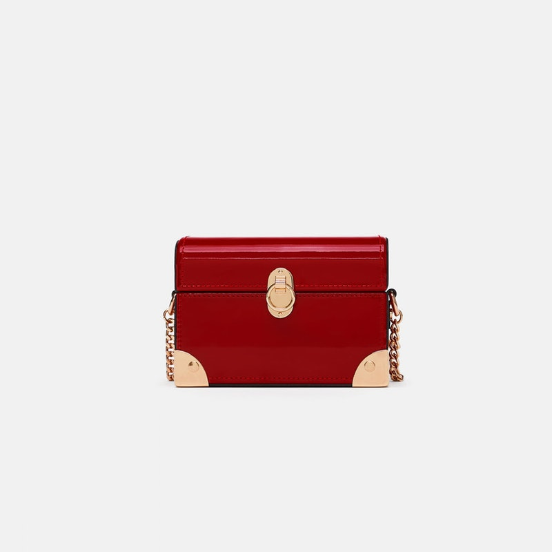 c7d5f2227ba3 5 New Bag Trends Every Fashion Girl Will Be Carrying Come Fall